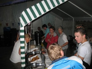 9_juni_2007_09_achter_de_bar_(Large)